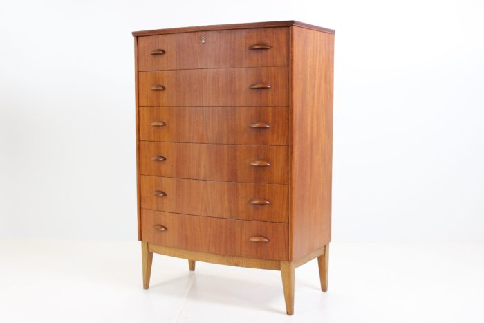 Retro Vintage Bow Front Chest of Drawers in Teak by Kai Kristiansen
