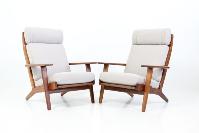 Retro Vintage Armchairs no. GE290A & GE290S by Hans J. Wegner for GETAMA