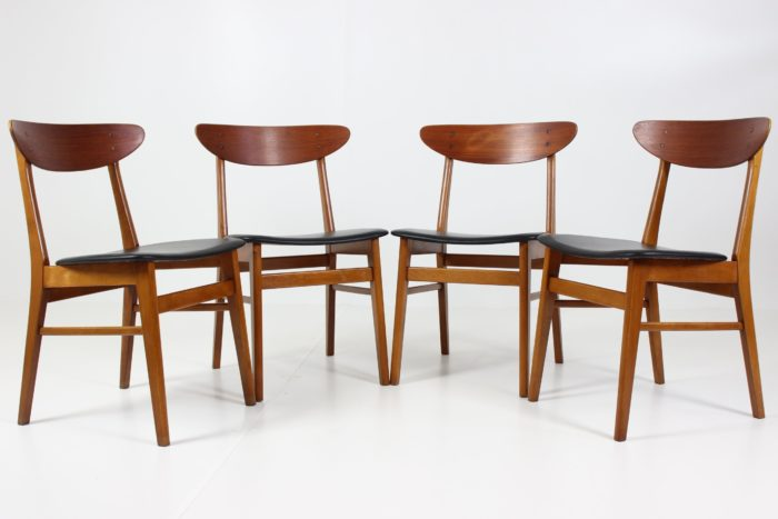 Retro Vintage Modernism Dining Chairs in Teak from Farstrup Savvaerk