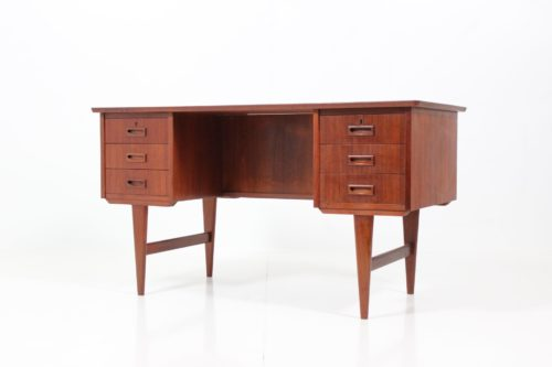Retro Vintage Danish Kneehole Desk in Teak