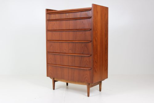 Retro Vintage Chest of Drawers by Michael Bloch for Skillinge Møbelfabrik