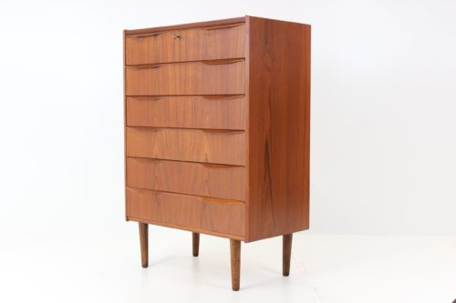 Retro Vintage CClassic Mid-Century Chest of Drawers in Teak