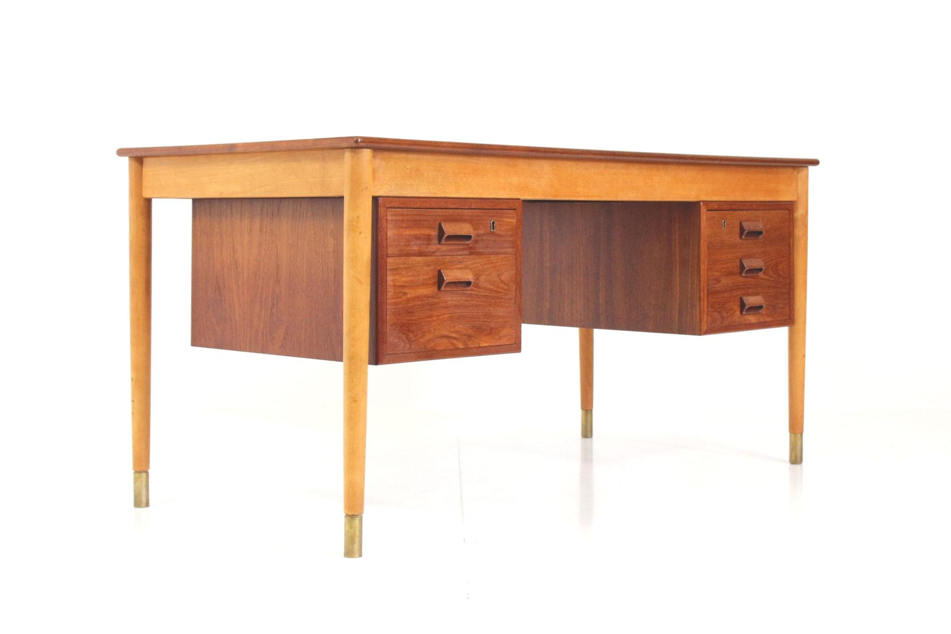 Vintage Retro Desk no. 130/1 by Børge Mogensen for Søborg Møbelfabrik