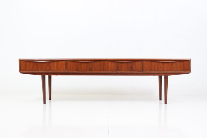 Vintage TV stand / Sideboard by E.W. Bach for Sejling Skabe