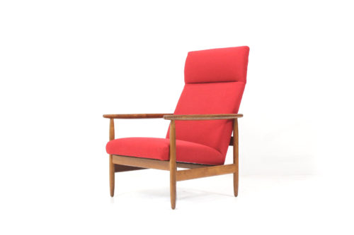 Vintage and retro chairs on davint design