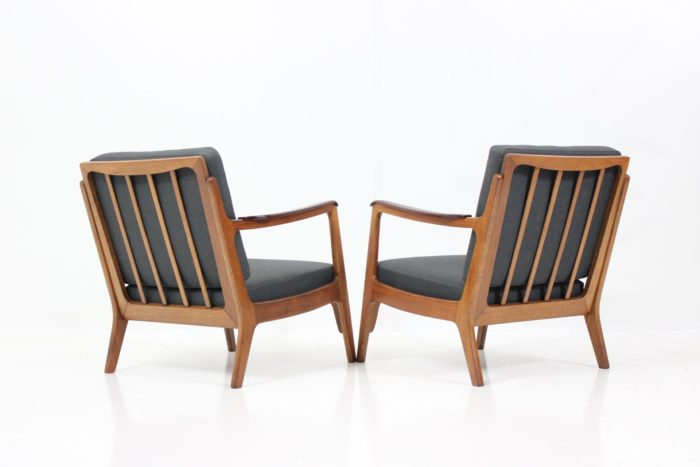 Retro Vintage Classic Mid-Century Armchairs in Oak with Organic Shaped Details
