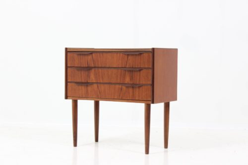 Retro Vintage Danish Chest of Drawers in Teak