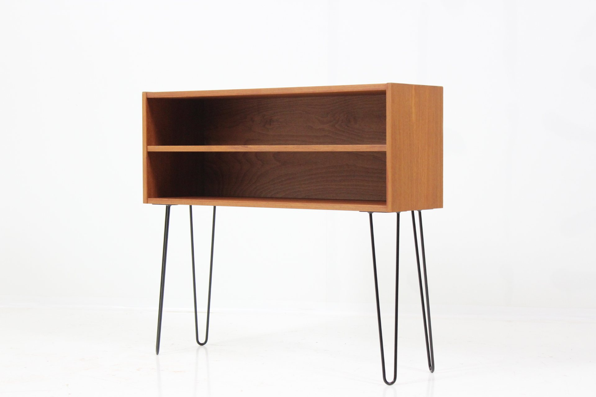 original small sideboard console table in teak davint. Black Bedroom Furniture Sets. Home Design Ideas