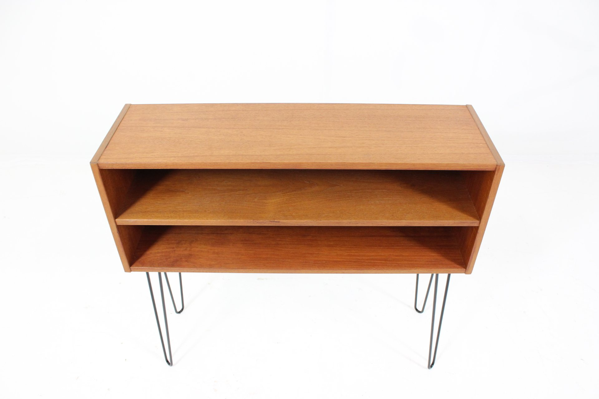 Original small sideboard console table in teak davint for Short sofa table
